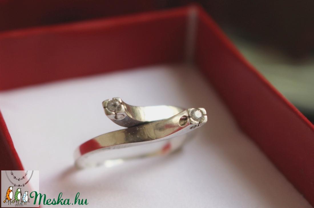 925 Ezüst design gyűrű cirkóniumokkal - ékszer - gyűrű - többköves gyűrű - Meska.hu