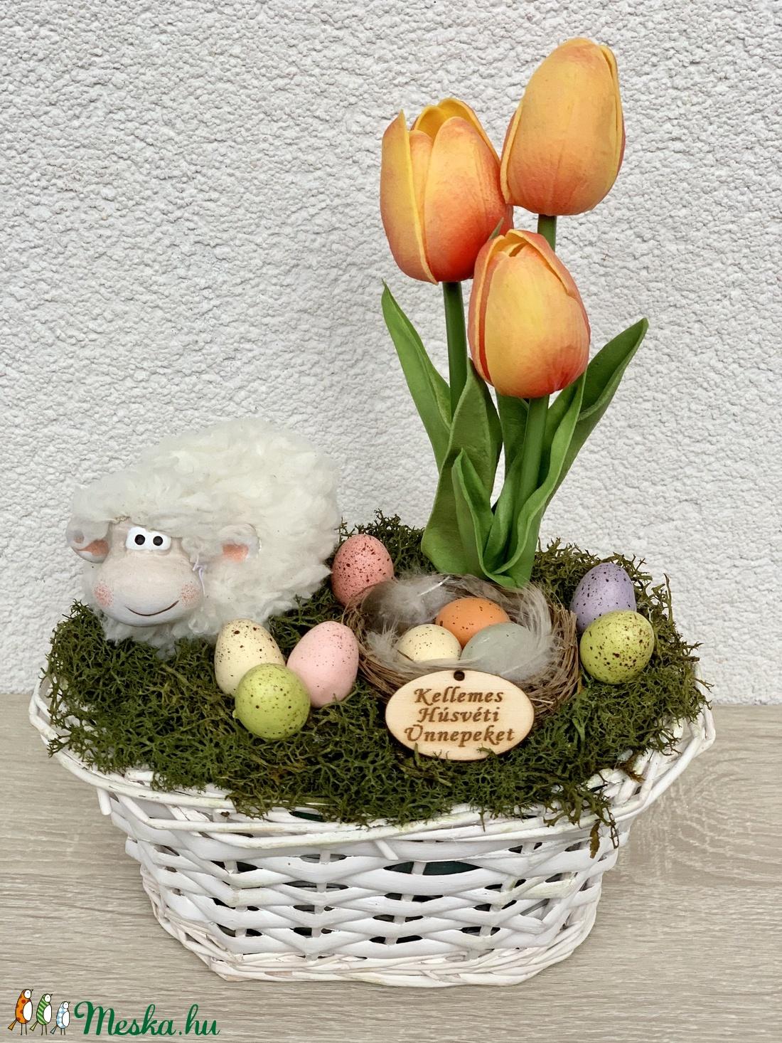 Húsvéti bari élethű tulipánokkal - asztaldísz, dekoráció (AKezmuvescsodak) - Meska.hu