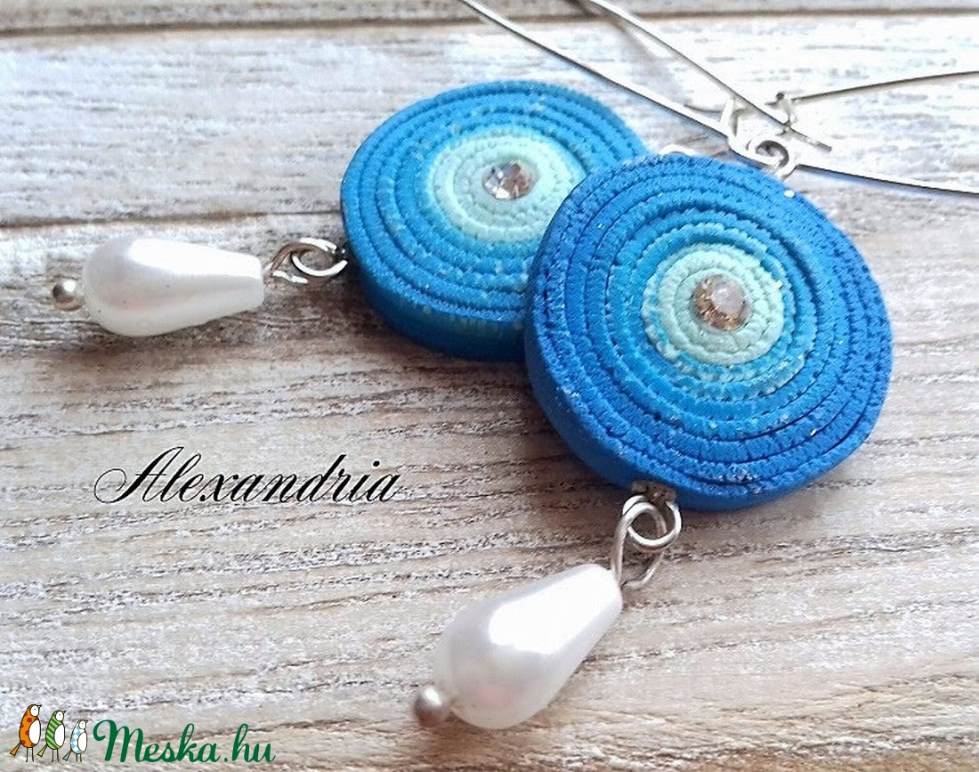 Kék tekercses fülbevaló - ékszer - fülbevaló - lógó fülbevaló - Meska.hu