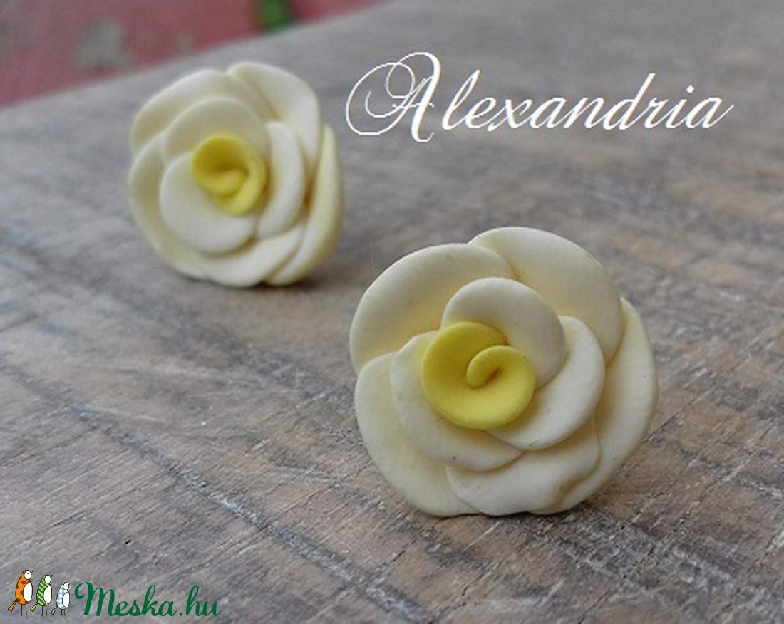 Sárga rózsás fülbevaló - ékszer - fülbevaló - pötty fülbevaló - Meska.hu