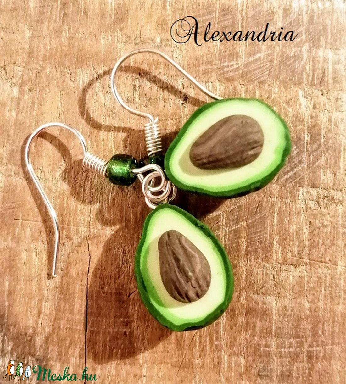 Zöld avokádó füli - ékszer - fülbevaló - lógó csepp fülbevaló - Meska.hu