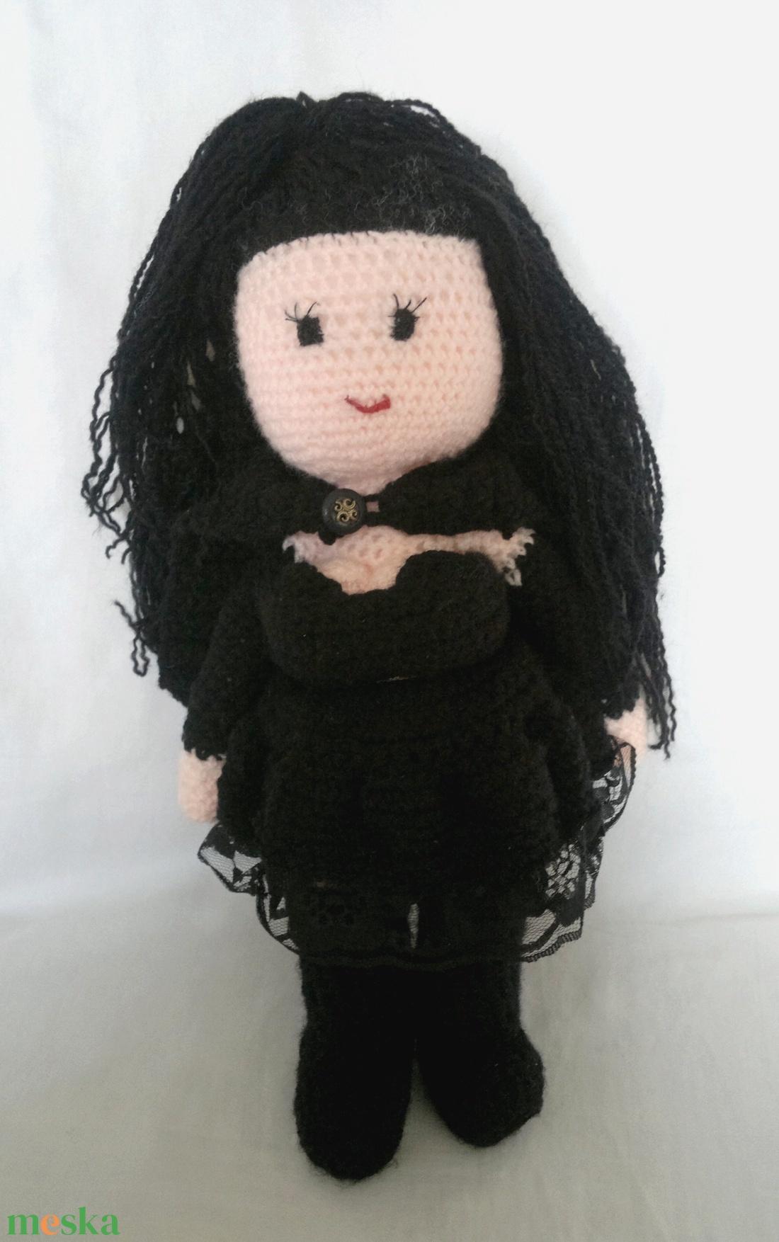 Bellatrix Lestrange horgolt figura a Harry Potter világából - játék & gyerek - plüssállat & játékfigura - ember - Meska.hu