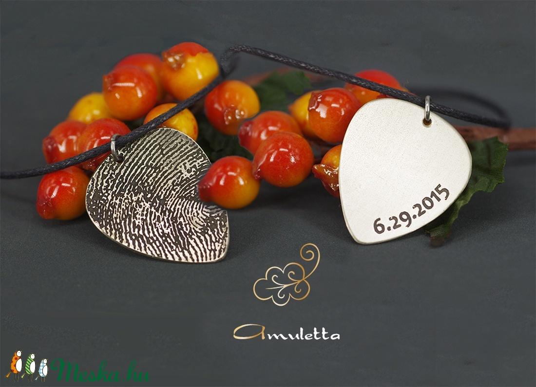 Kétoldalas ujjlenyomatos medál, dátummal (amuletta) - Meska.hu