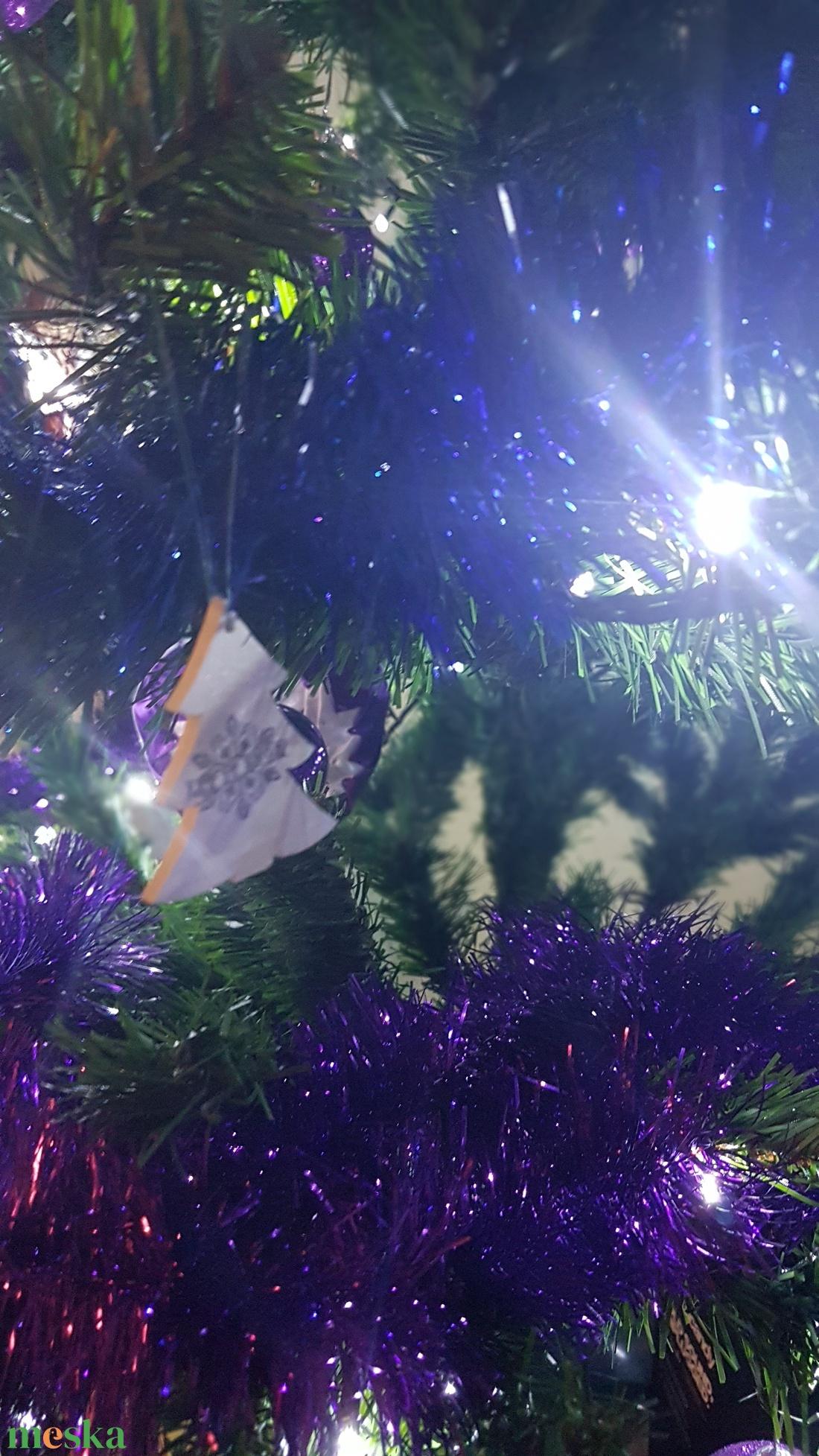 Karácsonyfadísz, fenyő 3. - karácsony - karácsonyi lakásdekoráció - karácsonyfadíszek - Meska.hu