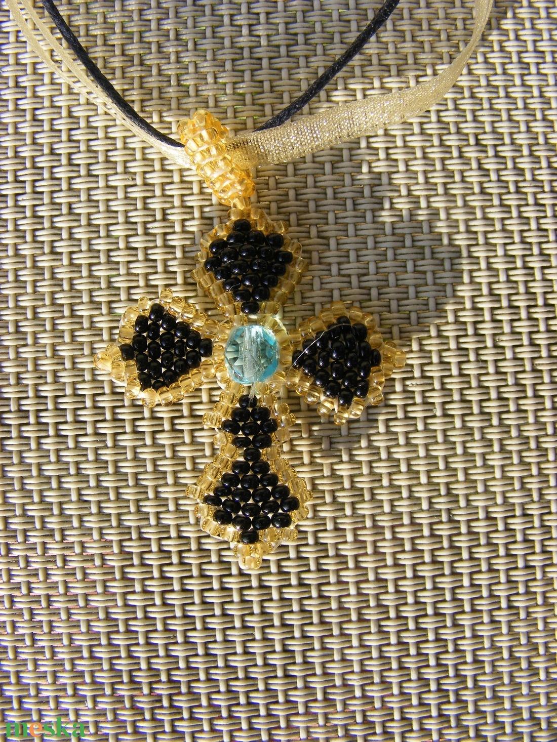 Gótikus kereszt - zafír, arany, fekete - ékszer - nyaklánc - medálos nyaklánc - Meska.hu