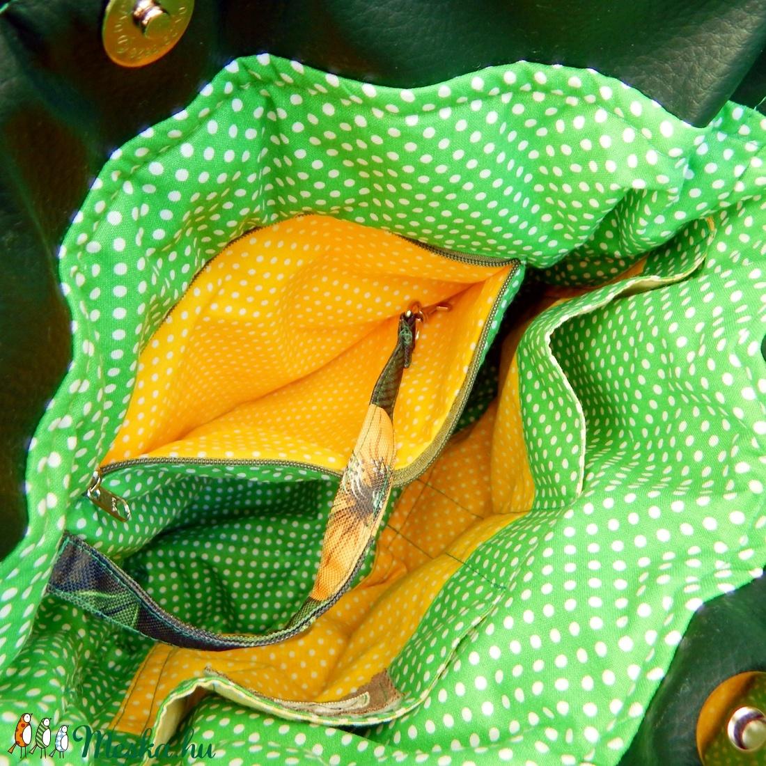 Sárga virágok - vízhatlan Midi Trapéz többfunkciós hátizsák, válltáska - táska & tok - variálható táska - Meska.hu