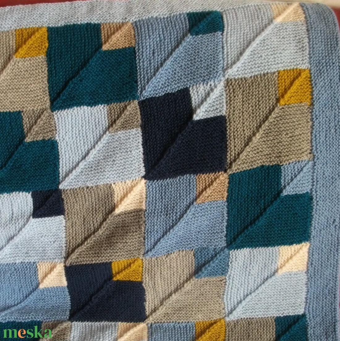 Kötött  patchwork takaró kisfiúnak - otthon & lakás - lakástextil - takaró - Meska.hu