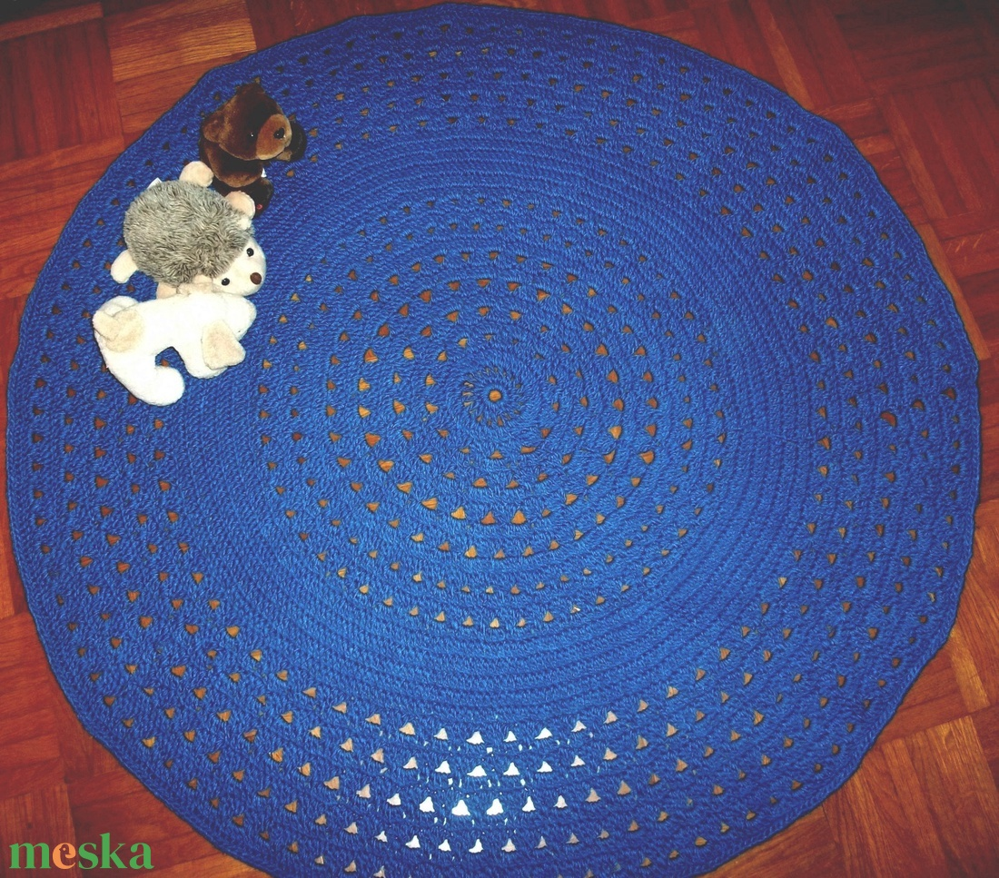 Királykék, horgolt szőnyeg, játszószőnyeg, faliszőnyeg - játék & gyerek - 3 éves kor alattiaknak - játszószőnyeg - Meska.hu