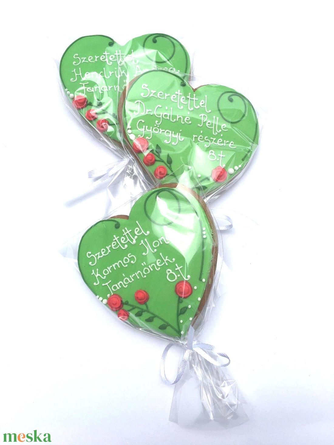 Rózsás vagy/és macis szív bármilyen köszöntő alkalomra,Ballagásra,Anyák napjára,Pedagógusnapra - élelmiszer - édesség - Meska.hu