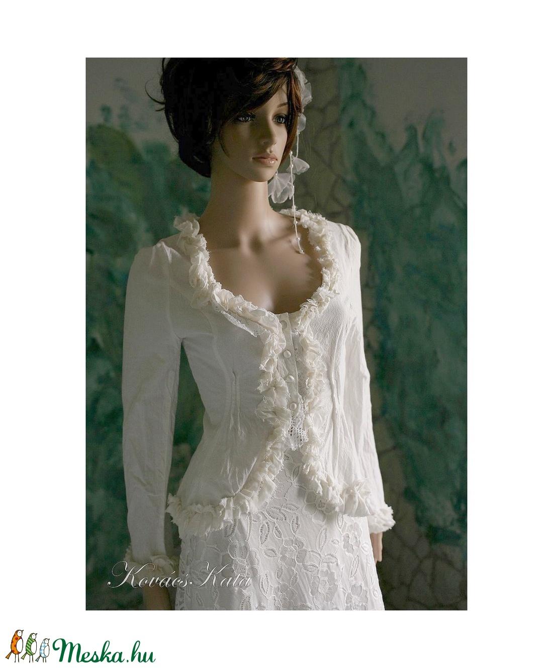 EMILIA - esküvői kosztüm (Aranybrokat) - Meska.hu bb25a19eea