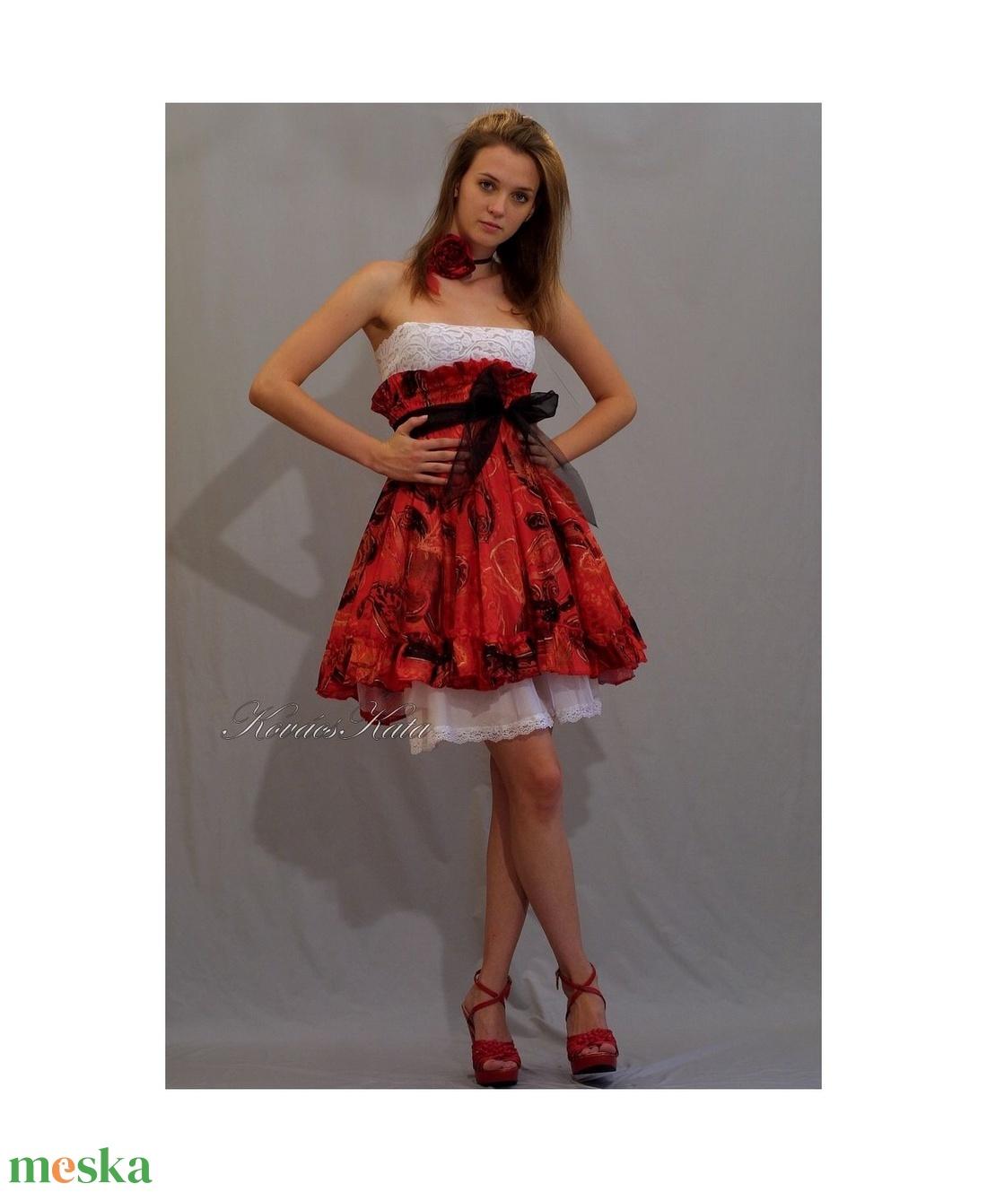 KIRA - design dolly-ruha (Aranybrokat) - Meska.hu 868701745f