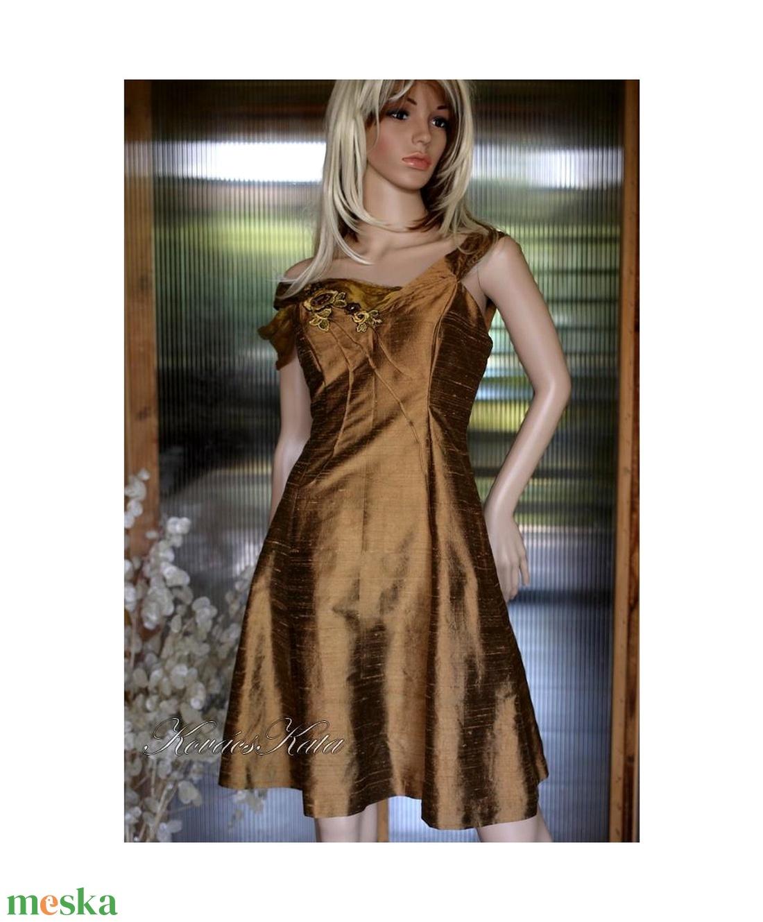 ... ÓARANY princessz - örömanya ruha (Aranybrokat) - Meska.hu ... d1fb8ed487