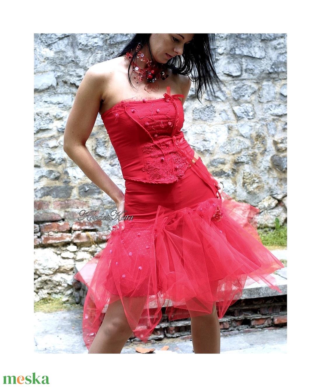 PIRI - menyecske ruha (Aranybrokat) - Meska.hu bb62e44041