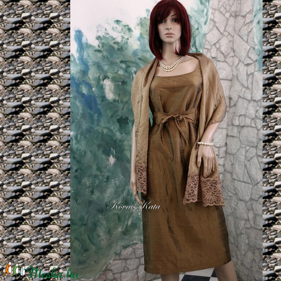 ... SHANTUNG örömanya ruha stólával (Aranybrokat) - Meska.hu ... 4e358b302a