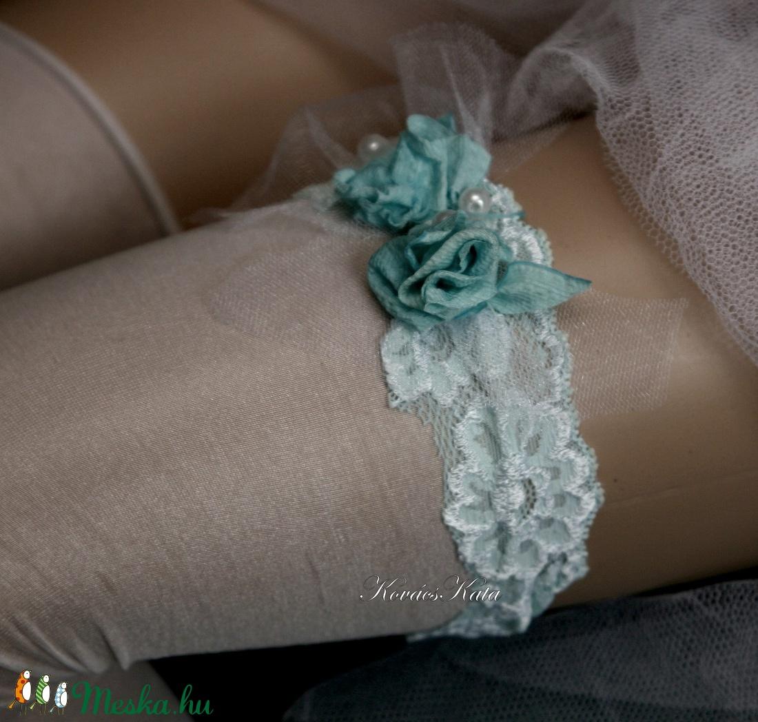 VALAMI KÉK - art to wear harisnyakötő S-M - esküvő - kiegészítők - harisnyatartó & valami kék - Meska.hu