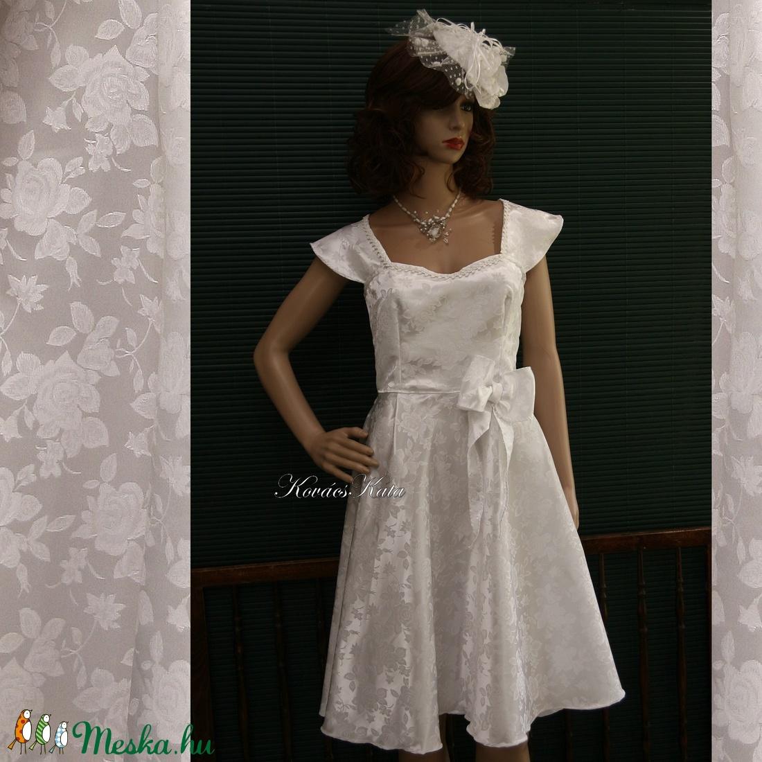 PIN-UP - brokát menyasszonyi ruha (Aranybrokat) - Meska.hu b6fb1180f7