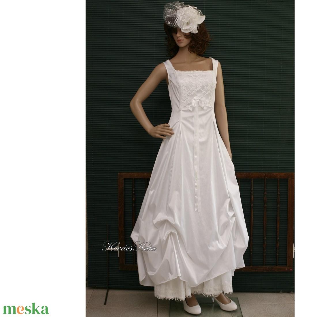 LETÍCIA - menyasszonyi ruha (Aranybrokat) - Meska.hu f2c47e684d