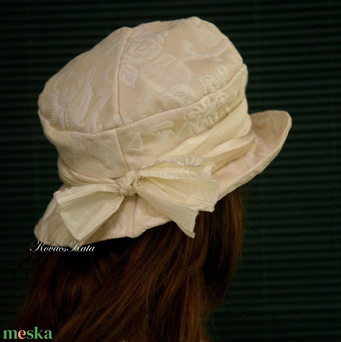 LILIEN - brokát kalap - ruha & divat - sál, sapka, kendő - kalap - Meska.hu
