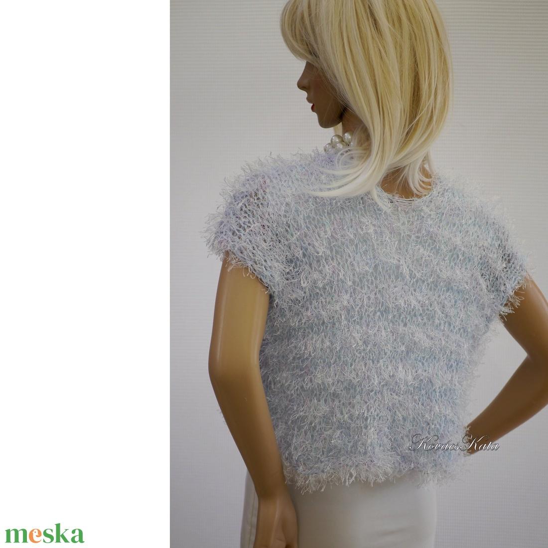 FLAMINGÓ - exkluzív kézzel kötött selyem-műszőrme mellényke / vízkék - ruha & divat - női ruha - bolero - Meska.hu