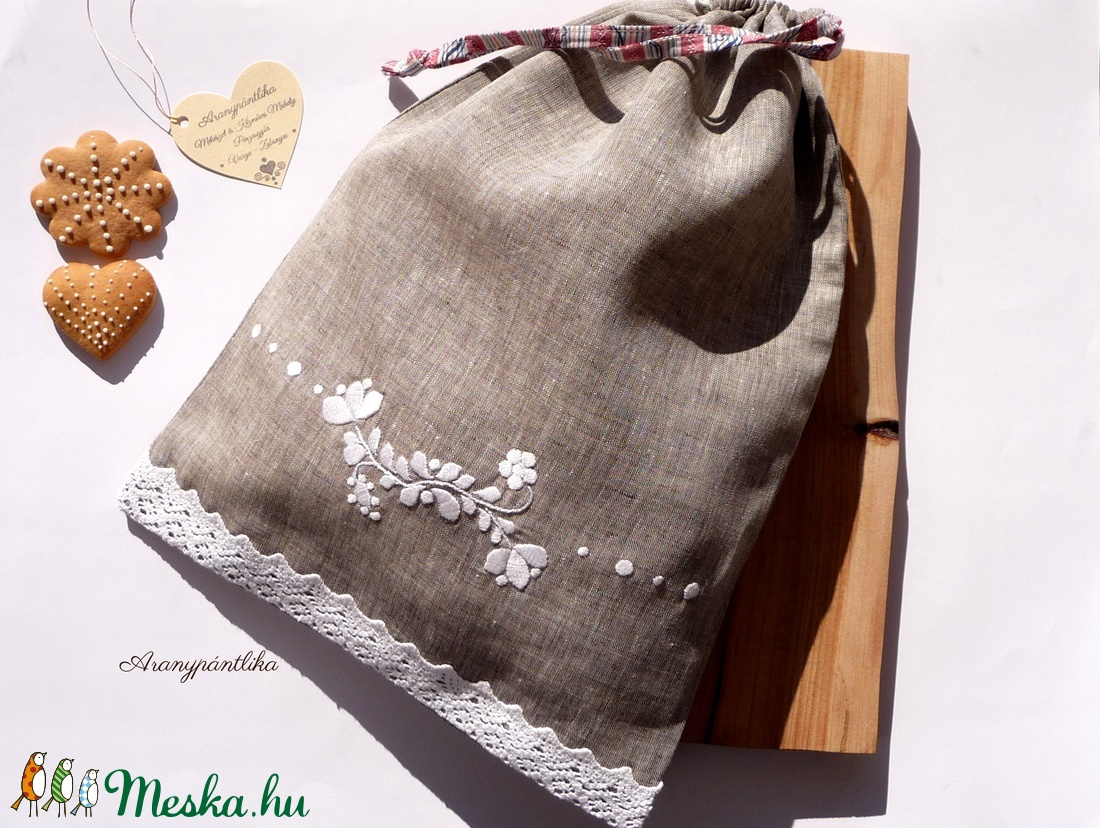 c21b54e9c0 Hímzett konyhai tároló zsák/ kenyeres zsák (nyers vászon fehér hímzéssel)-  Aranypántlika