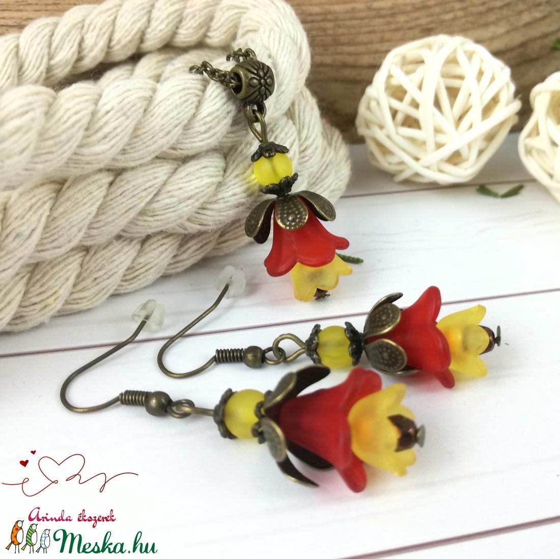 Tavaszi virágok piros narancssárga virágos nyaklánc fülbevaló szett - ékszer - ékszerszett - Meska.hu