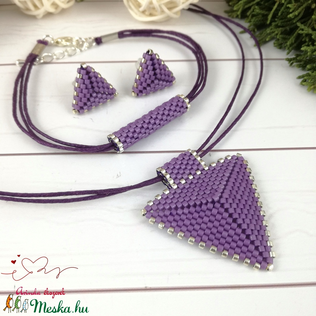 Sötétlila háromszög nyaklánc karkötő fülbevaló egyedi gyöngyékszer anyák napja ballagás évzáró karácsony szülinap névnap - ékszer - ékszerszett - Meska.hu