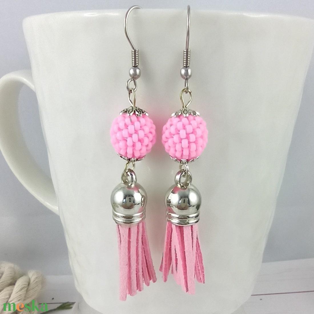 Bojtos fülbevaló antiallergén gyöngyös baby pink acél fülbevaló tavaszi nyári ajándék nőnek lánynak esküvőre hétköznapi - ékszer - fülbevaló - rojtos fülbevaló - Meska.hu