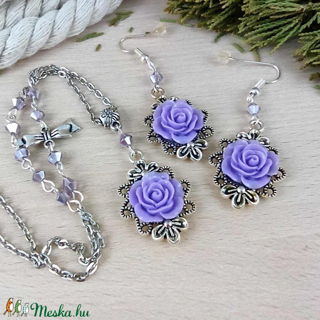 #43 lila rózsás sötét ezüst szett nyaklánc fülbevaló esküvő alkalmi koszorúslány örömanya menyasszony násznagy - ékszer - ékszerszett - Meska.hu