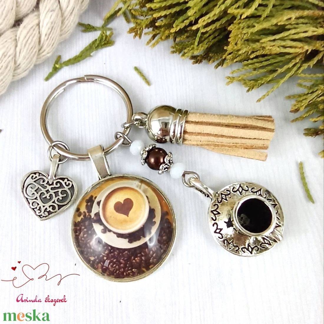 Reggeli energia bojtos üveglencsés kulcstartó táskadísz bojtos mikulás karácsony szülinap névnap nyár ajándék - táska & tok - kulcstartó & táskadísz - kulcstartó - Meska.hu