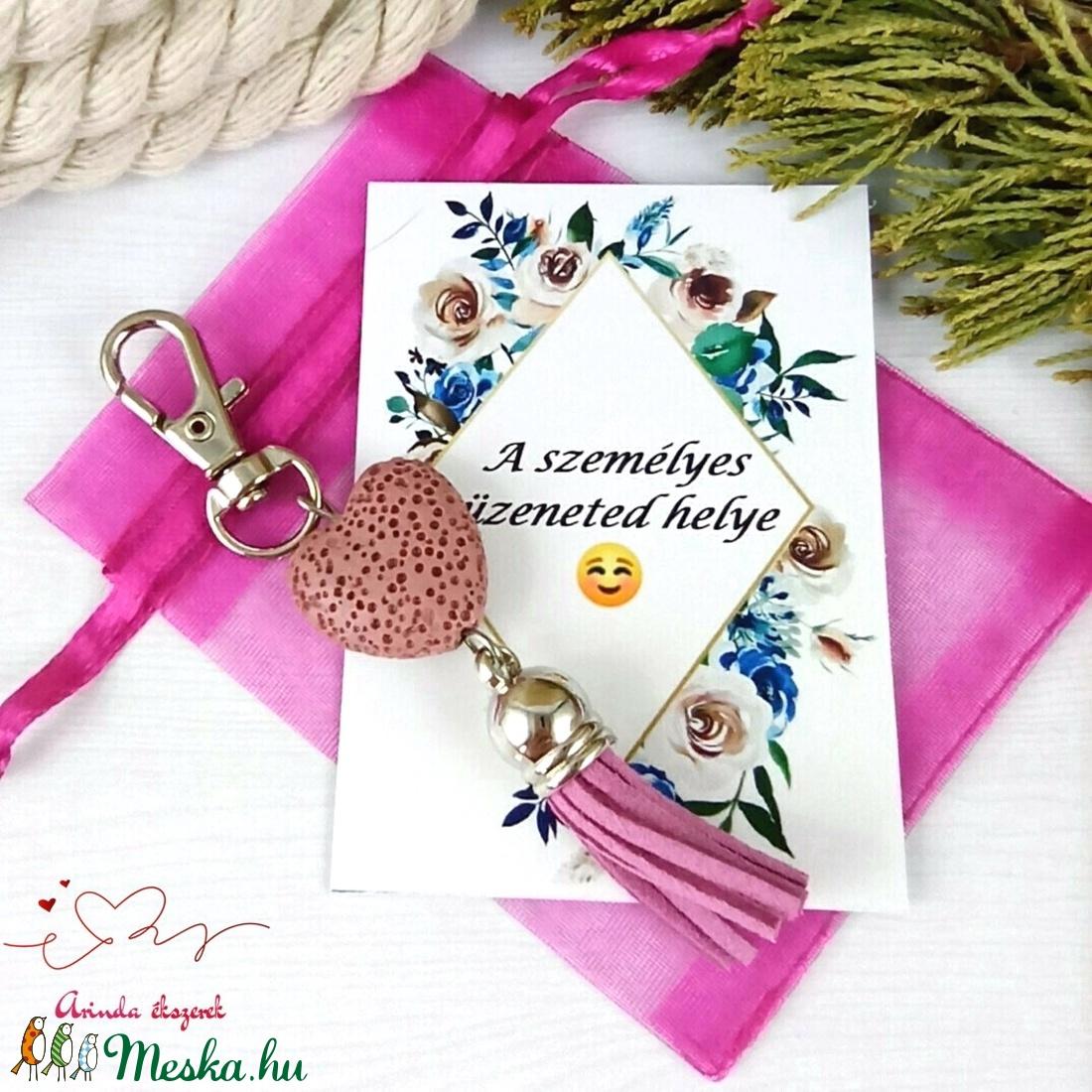 Rózsaszín illatosítható lávakő szív kulcstartó táskadísz ajándékcsomagolással  - táska & tok - kulcstartó & táskadísz - táskadísz - Meska.hu