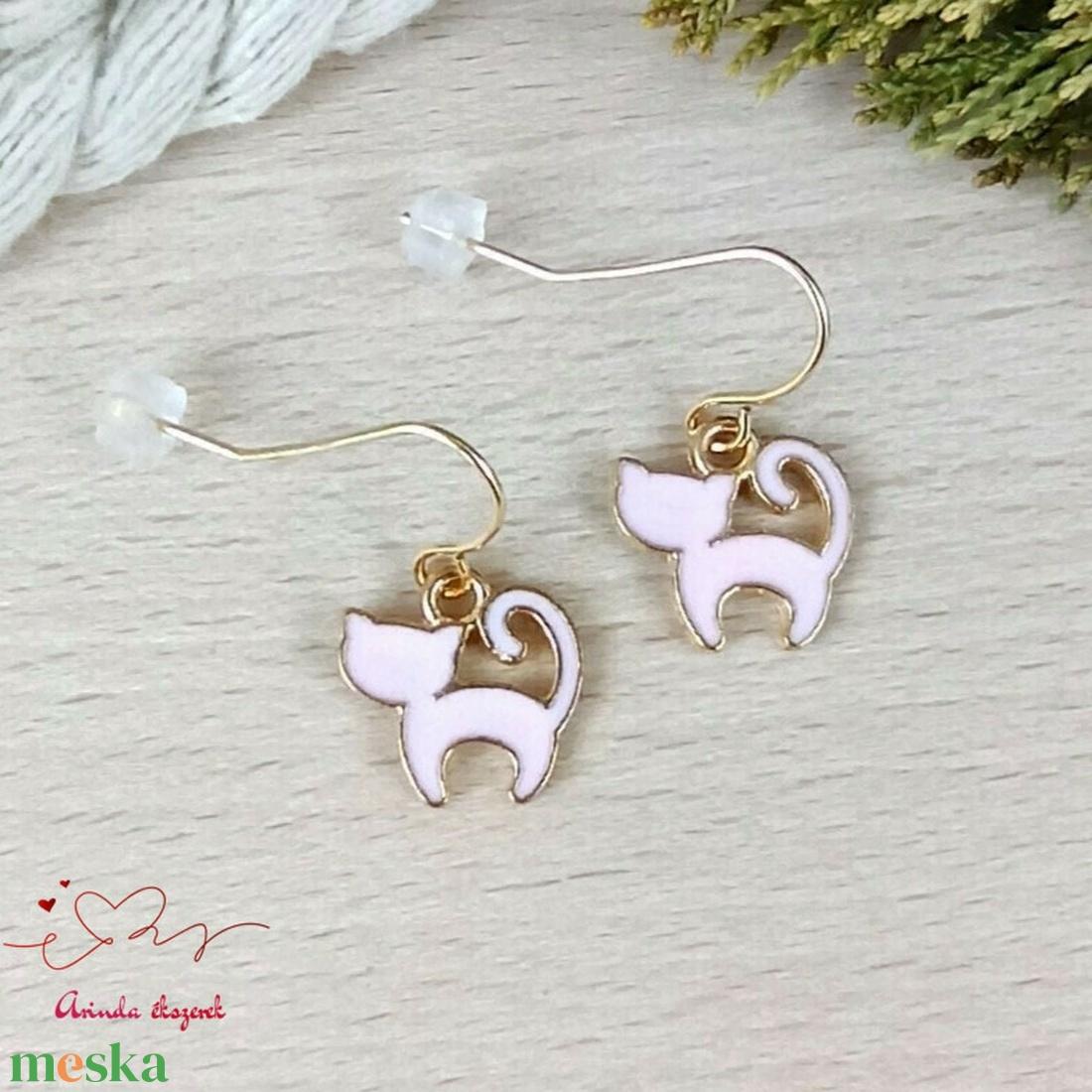 Rózsaszín cica fülbevaló karácsonyra mikulásra télire adventi kalendáriumba nőnek lánynak - ékszer - fülbevaló - lógó fülbevaló - Meska.hu