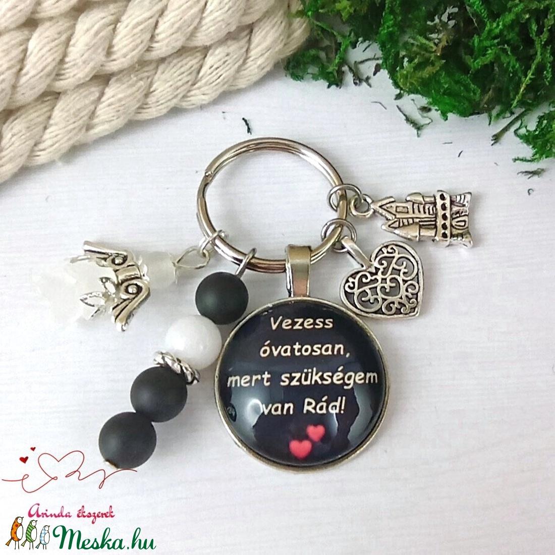 Vezess óvatosan, mert szükségem van Rád feliratos üveglencsés kulcstartó táskadísz karácsony szülinap - táska & tok - kulcstartó & táskadísz - kulcstartó - Meska.hu