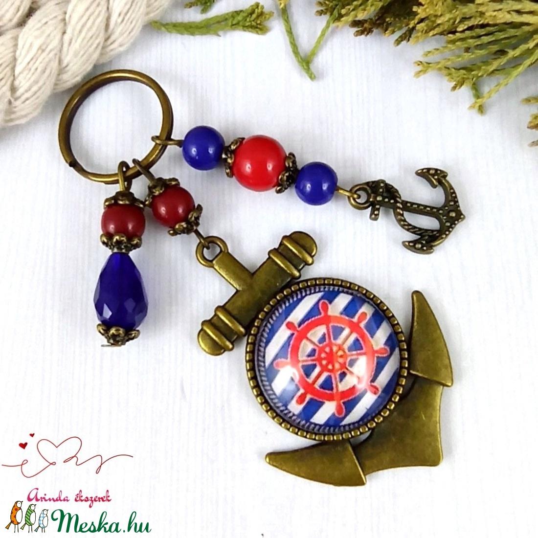 Piros hajókormány üveglencsés kulcstartó táskadísz anyák napja ballagás évzáró pedagógus karácsony szülinap névnap  - táska & tok - kulcstartó & táskadísz - kulcstartó - Meska.hu