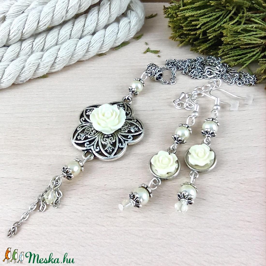 #6 krém rózsás antik ezüst szett nyaklánc fülbevaló esküvő alkalmi koszorúslány menyasszony násznagy - ékszer - ékszerszett - Meska.hu