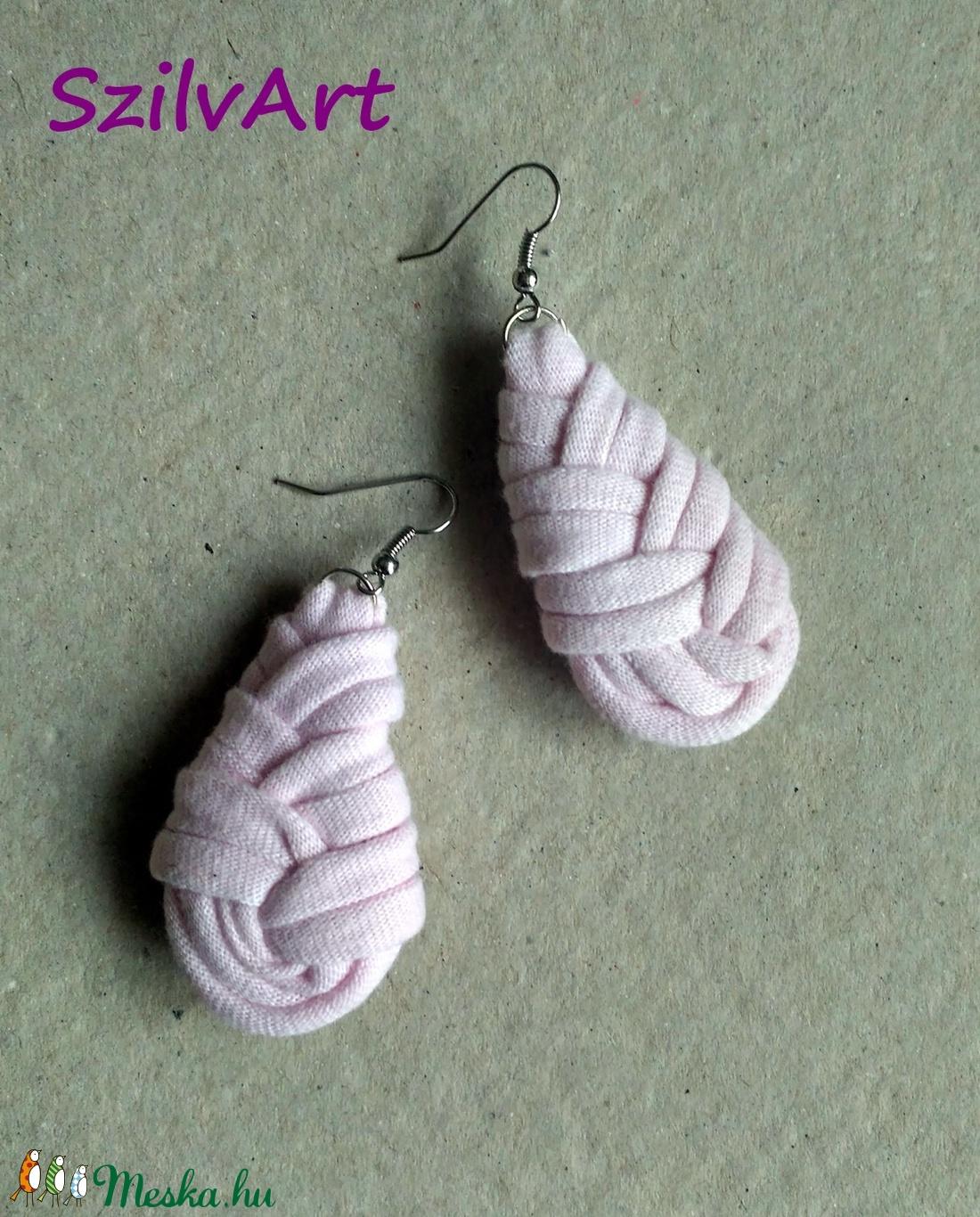 Csepp alakú textil fülbevaló - halvány rózsaszn (artsisters) - Meska.hu