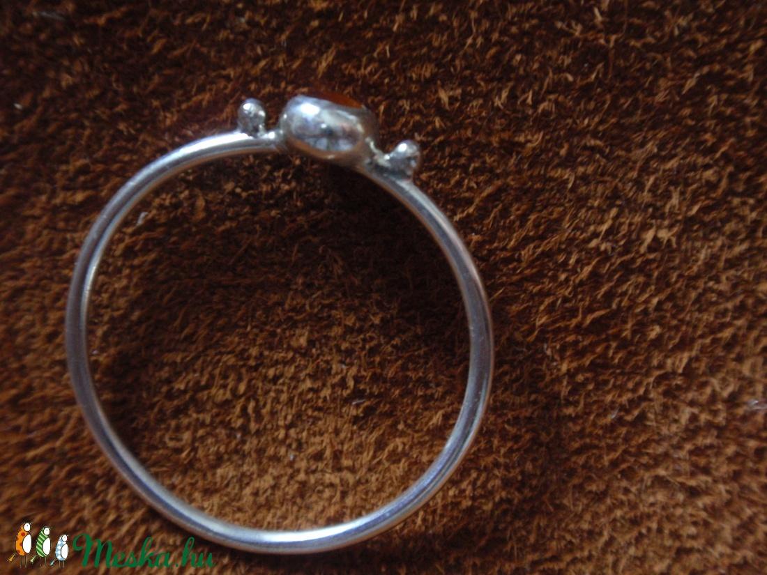 Ezüst drót gyűrű hesszonit gránáttal - ékszer - gyűrű - vékony gyűrű - Meska.hu