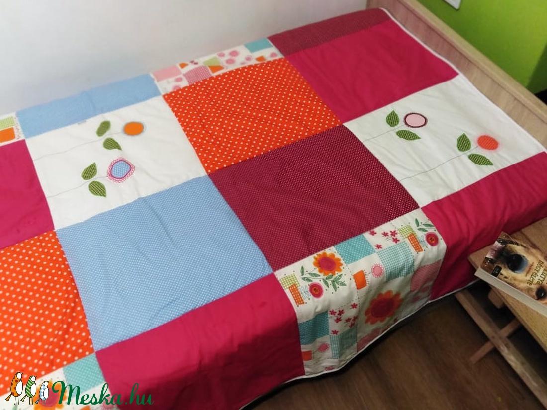 Virágos patchwork takaró - otthon & lakás - lakástextil - takaró - Meska.hu