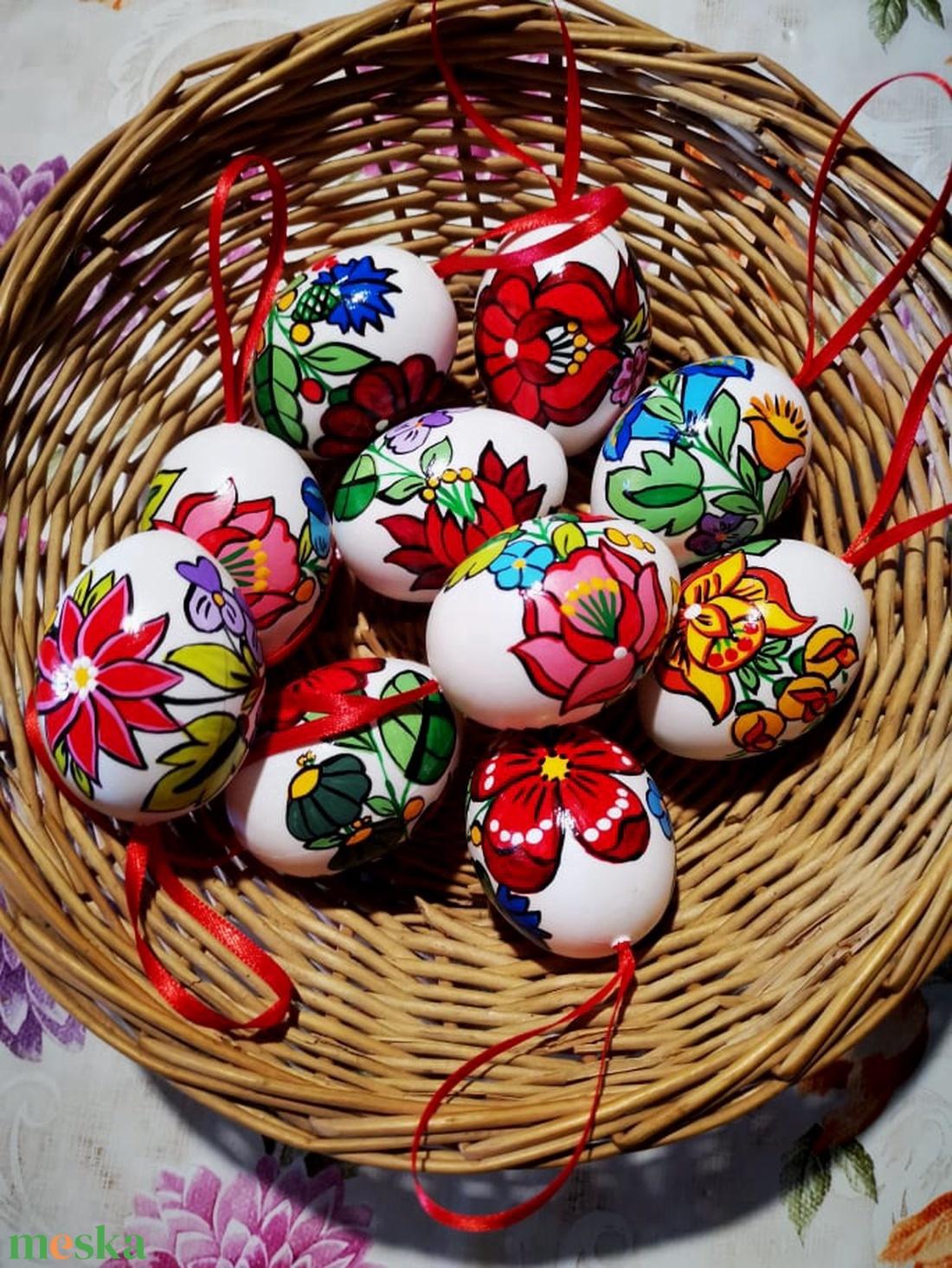 Kalocsai kézzel festett müanyag tojás .10 db . (bartokaniko) - Meska.hu