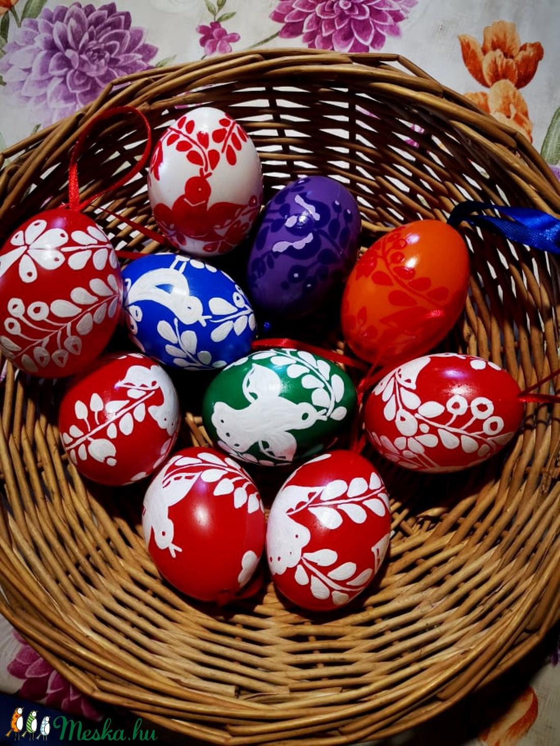 Kézzel festett müanyag tojás 6 cm 10 db  (bartokaniko) - Meska.hu