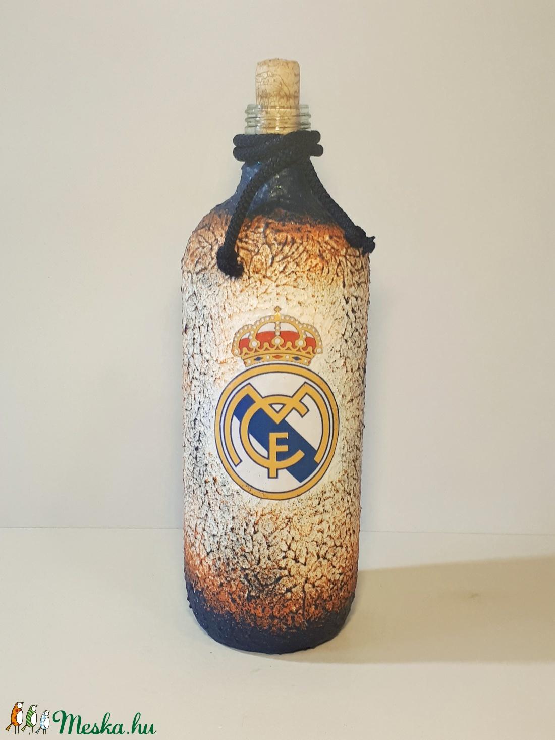 Real Madrid foci rajongói ajándék - italos dísz- és használati üveg.  (Biborvarazs) - Meska.hu