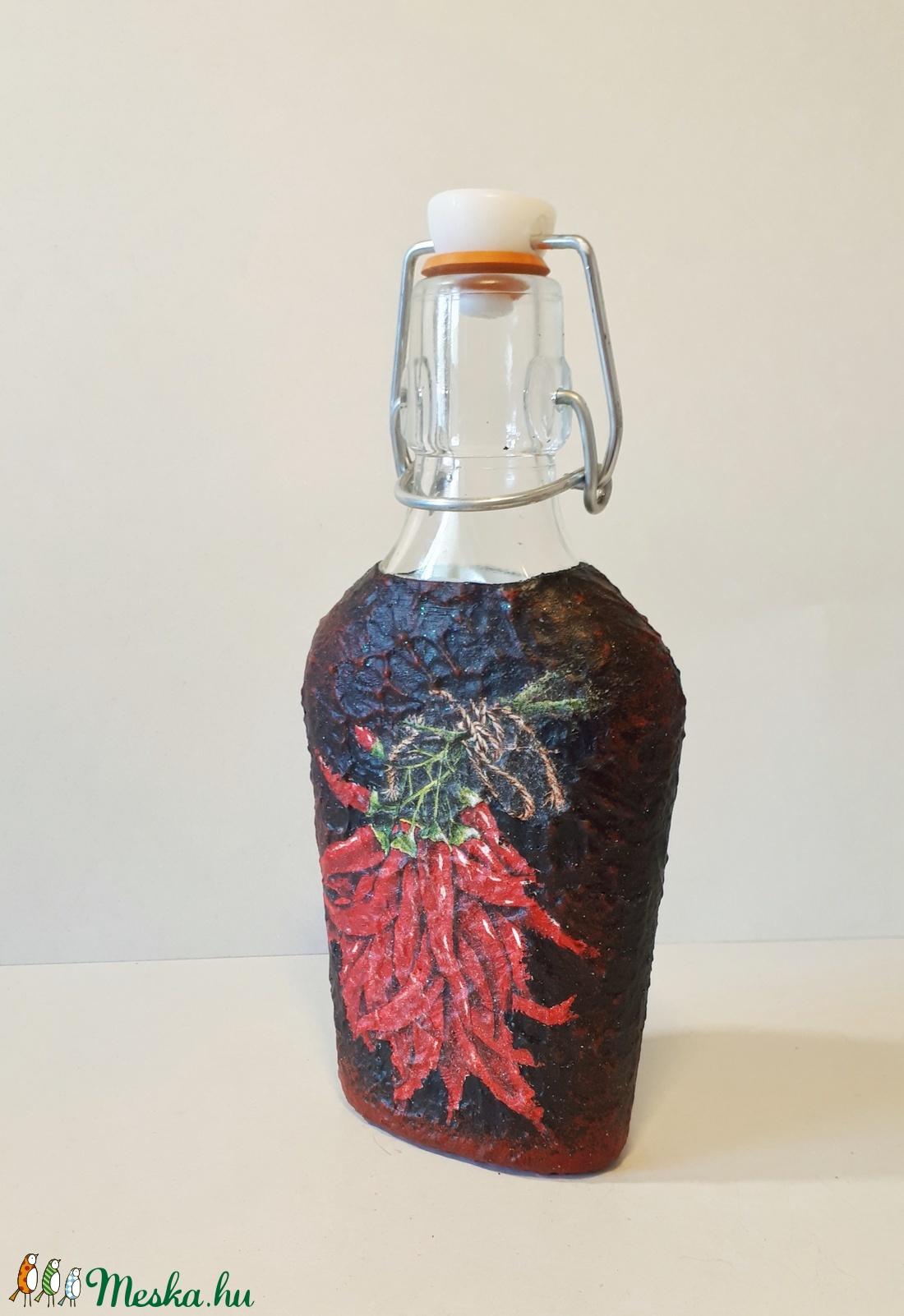 e25e5b94ab Paprika mintás, magyaros dísz-és használati csatos üveg hagyományokat,  népművészetet kedvelőknek.