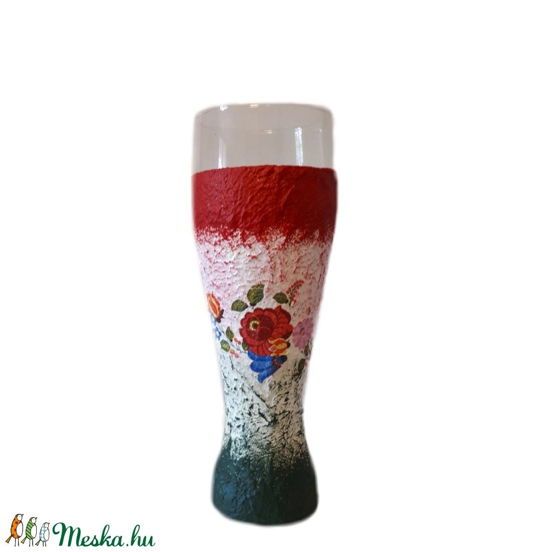 ff6dcab163 Kalocsai mintás, magyaros dísz-és használati sörös pohár eljegyzésre,  nászajándékba, évfordulóra