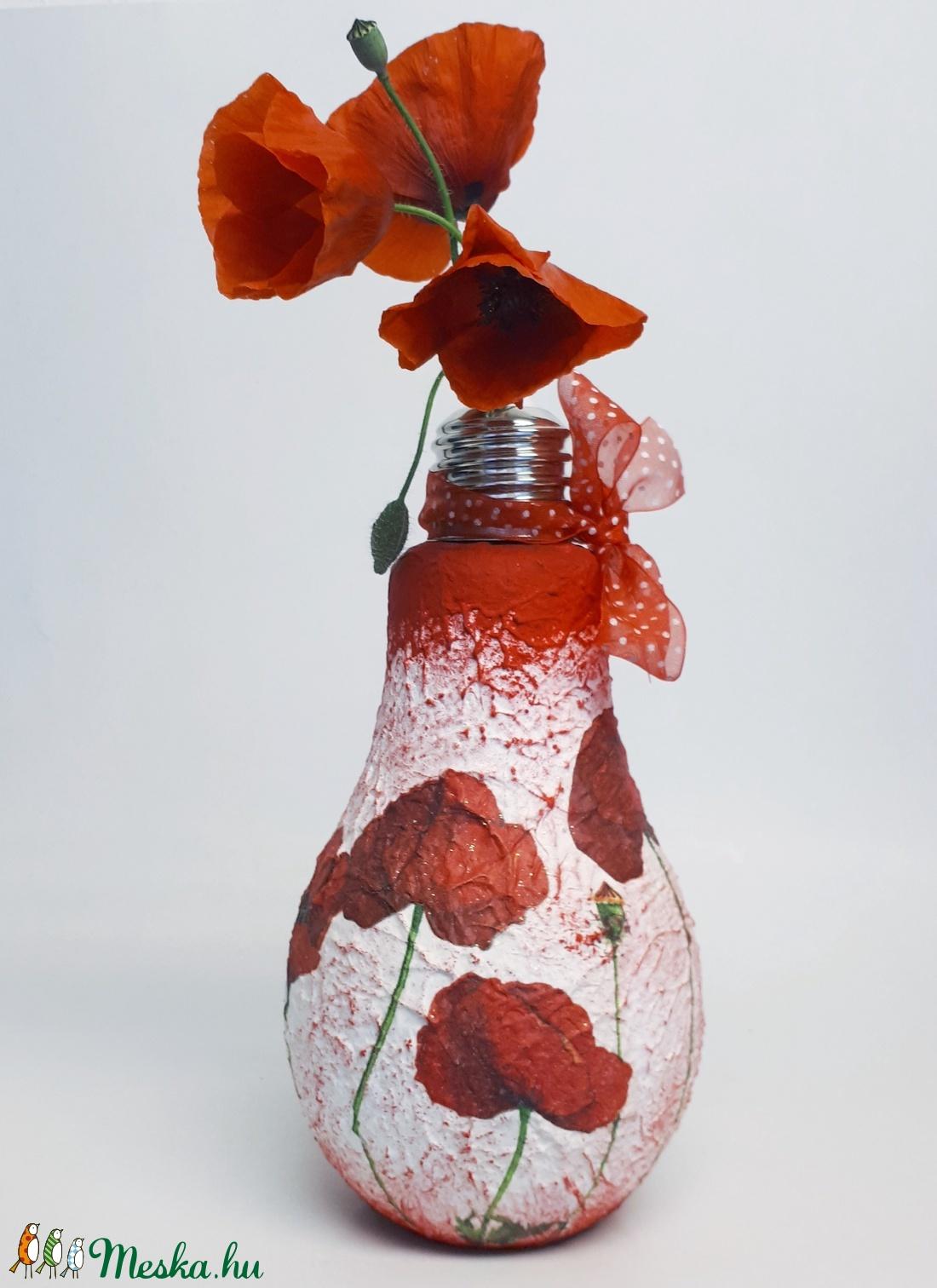 Pipacs villanykörte váza pipacsot kedvelőknek szülinapra, névnapra, házavatóra - otthon & lakás - dekoráció - váza - Meska.hu