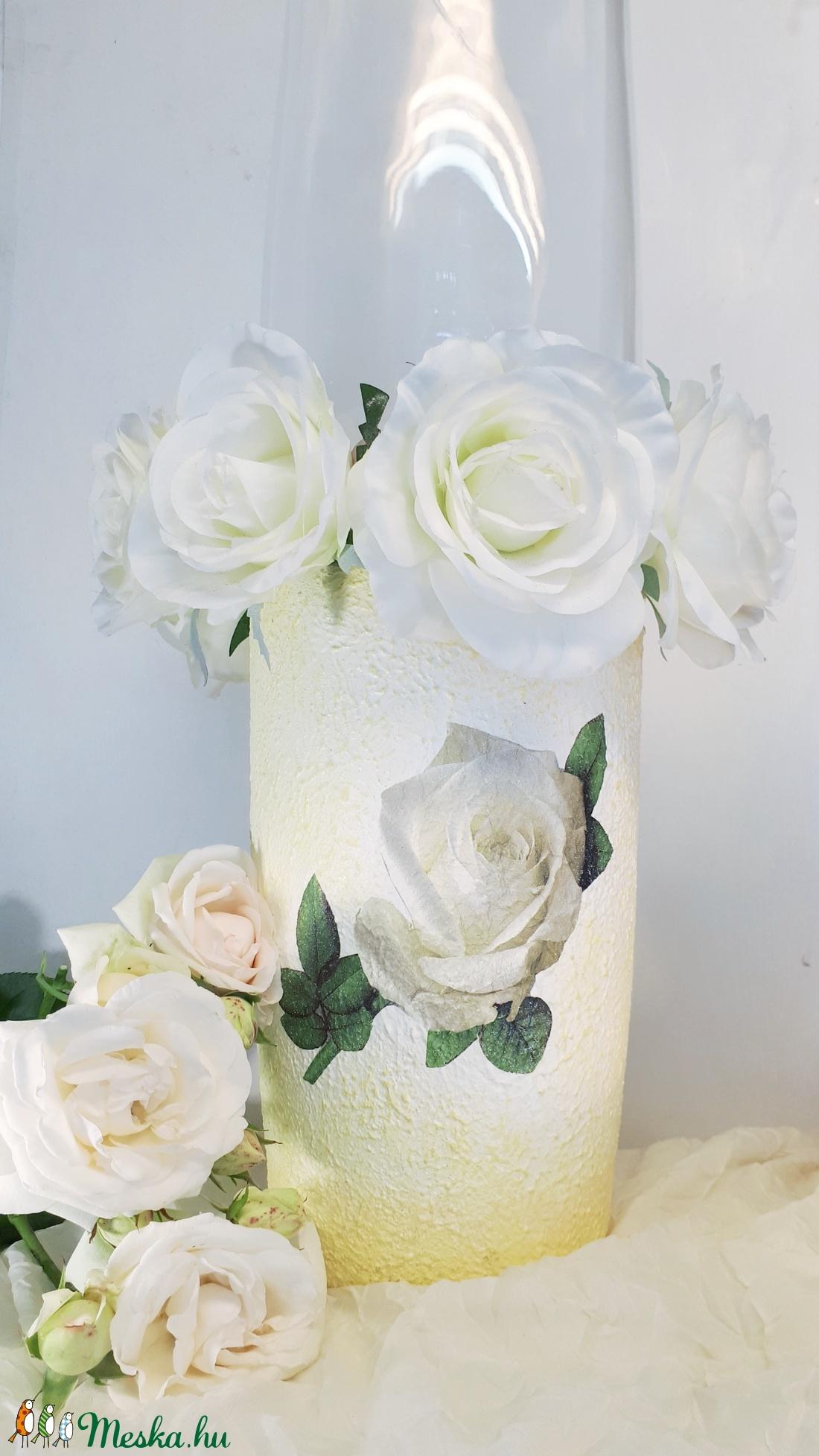 Fehér rózsa padlóváza esküvőre, eljegyzésre leánybúcsúba legénybúcsúba nászajándékba - esküvő - dekoráció - helyszíni dekor - Meska.hu