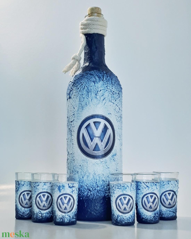 Volkswagen rajongóknak pálinkás dísz-és használati hengeres üveg röviditalos poharakkal  (Biborvarazs) - Meska.hu