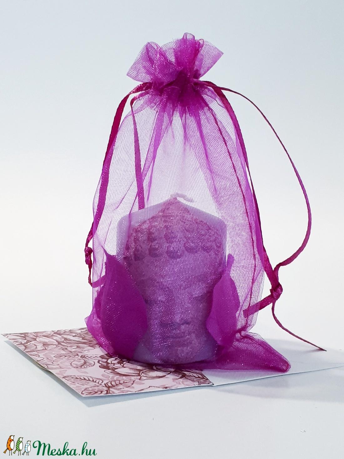 Buddha lila szirmos gyertya spirituális ajándék névnapra, szülinapra, nőnapra, anyák napjára (Biborvarazs) - Meska.hu