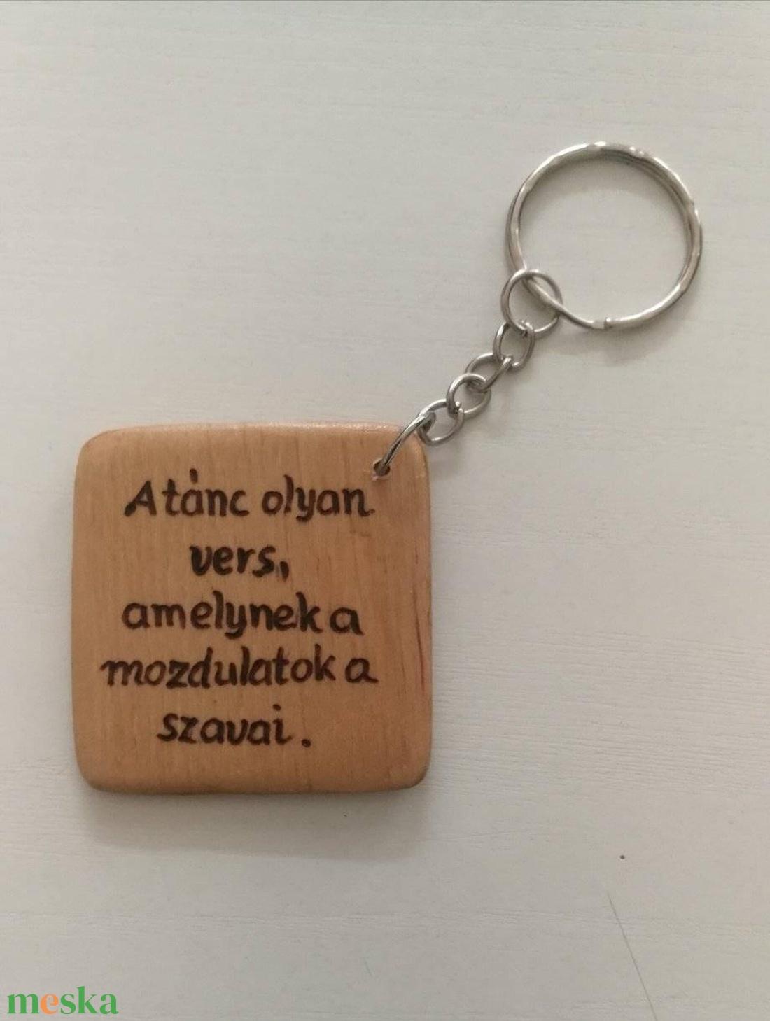 Kulcstartó a tánc szerelmeseinek - táska & tok - kulcstartó & táskadísz - kulcstartó - Meska.hu