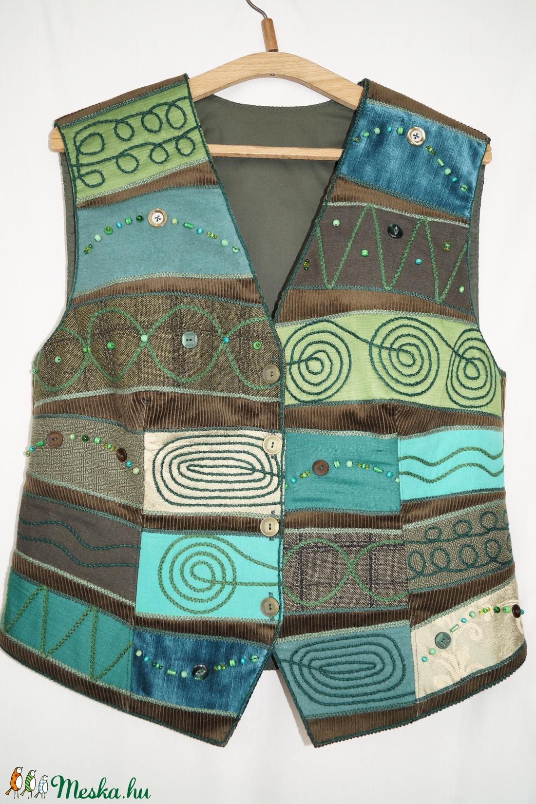 Női, zöld, gyöngyös, applikált mellény  - ruha & divat - női ruha - mellény - Meska.hu