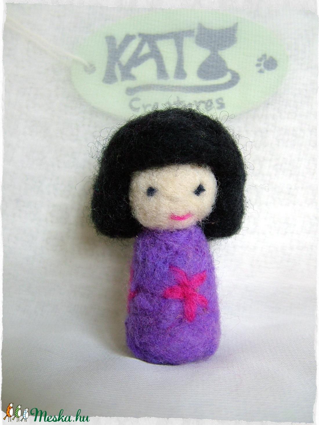 Japán baba - Kokeshi- Tündér / Manó lila + virág - játék & gyerek - baba & babaház - baba - Meska.hu