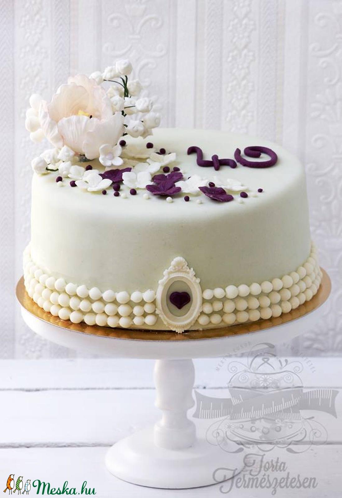 cc5c44ea8d Nosztalgia torta állvány - sütis kínálótál akár esküvőre stencilezve is